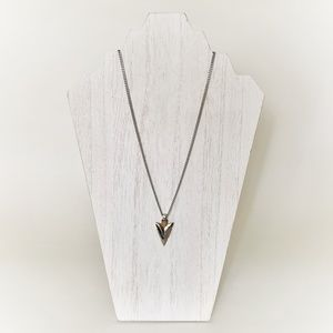 Jewelry - Silver Toned Southwest Styled Arrowhead Necklace